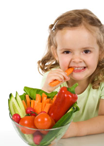 girl-eating-vegetables