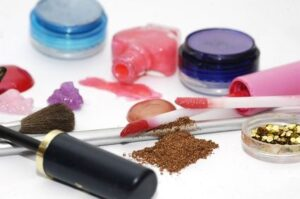 How To Save On Makeup and Cosmetics
