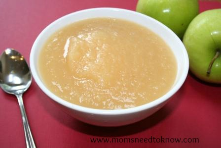 homemade-applesauce-easy