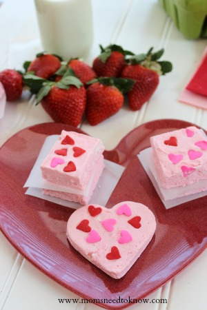 2 ingredient strawberry fudge valentines