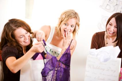 bridal shower gift etiquette