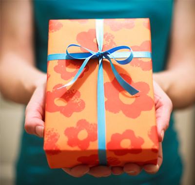 gift-giving-etiquette