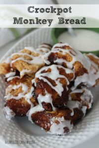 Crockpot Cinnamon Monkey Bread | Easy Weekend Breakfast!