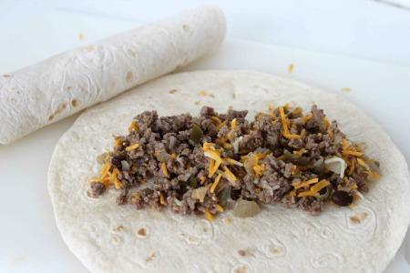 Easy Beef Enchiladas process2