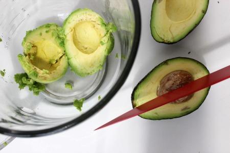 easy guacamole recipe process1