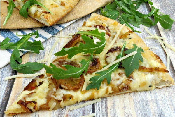 White Pizza with Sausage, Caramelized Onions and Arugula myf